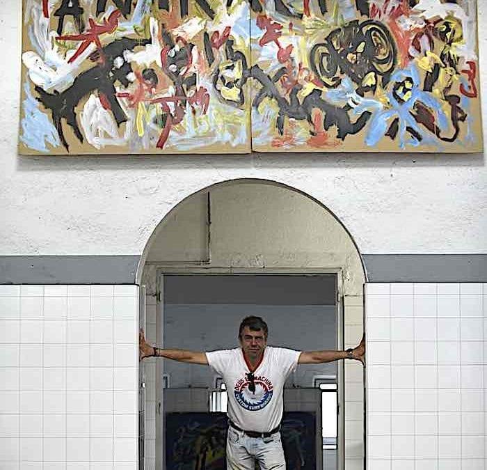 La pintura expresionista de David Colinas toma las entrañas de la antigua mina Pozo Julia, en Fabero